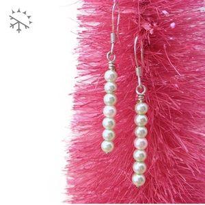 Blanc de Blanc Bubbles 7• Glass Pearl Bar Earrings